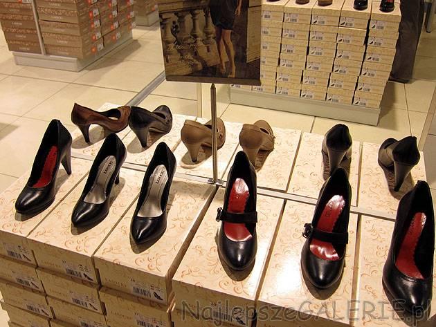 22b73a54 Eleganckie czarne czółenka w cenie 169,99 i 179,99PLN. Kolekcja Lasocki CCC