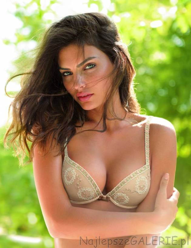 2c60739e1baff8 Intimissimi kolekcja 2011 · 21 letnia Alyssa Miller to modelka sezonu 2011  marki Intimissimi.